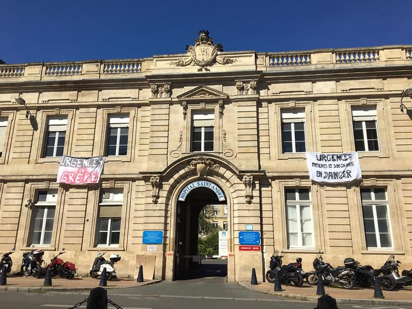 "Photo de l'article: ""On a besoin de soutien !"" Le cri d'alarme d'un infirmier de l'hôpital Saint-André à Bordeaux"